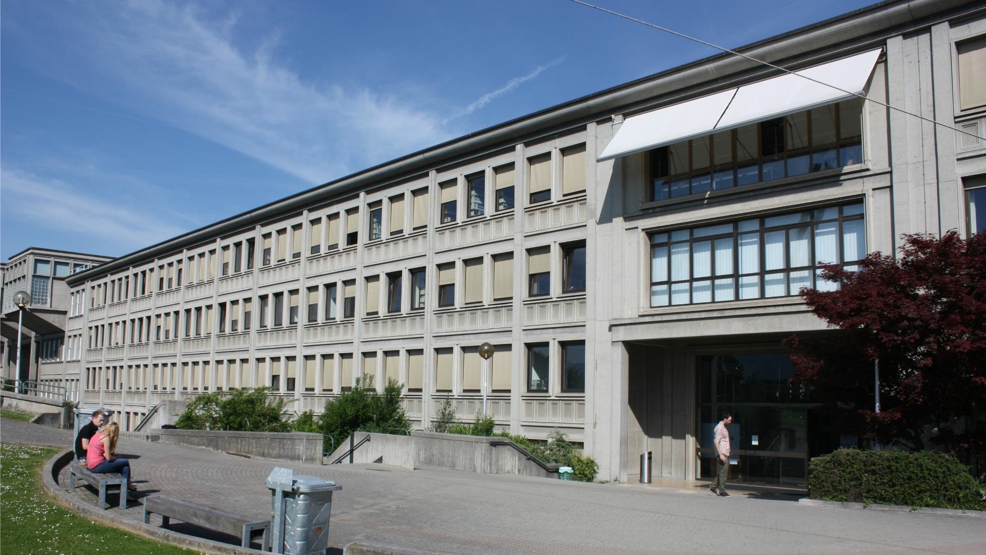 Bibliothèque de la Faculté de droit